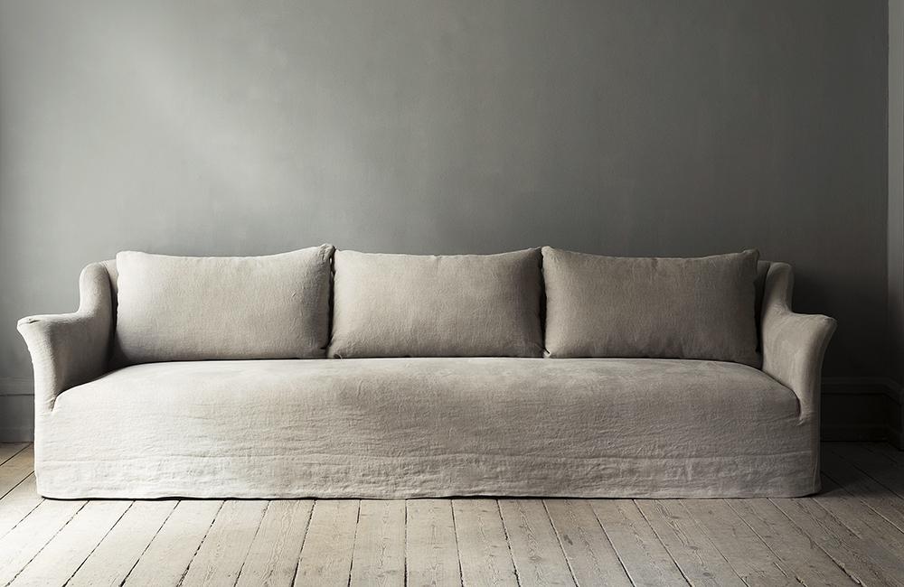 Classic sofa by StudioOliver Gustav