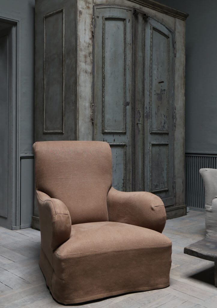 King armchair by studio oliver gustav