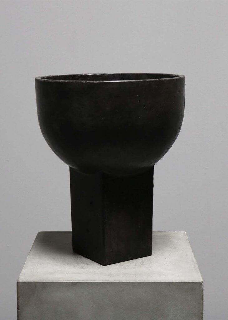 Sacra Vase in black bronze by the danish designer Sofie Østerby