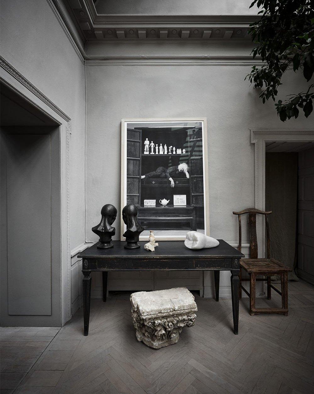 Antique furniture, Kirsten Justesen art piece at Studio oliver gustav sofa