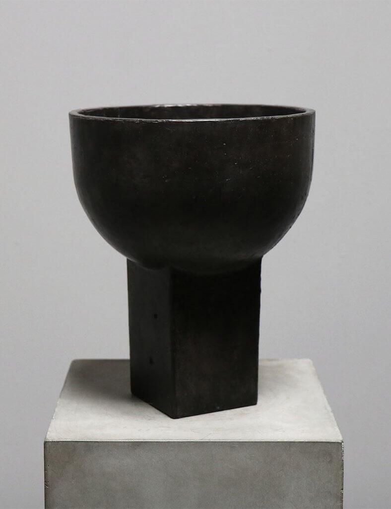 Sacra Vase in bronze by the danish designer Sofie Østerby represented by Studio Oliver Gustav
